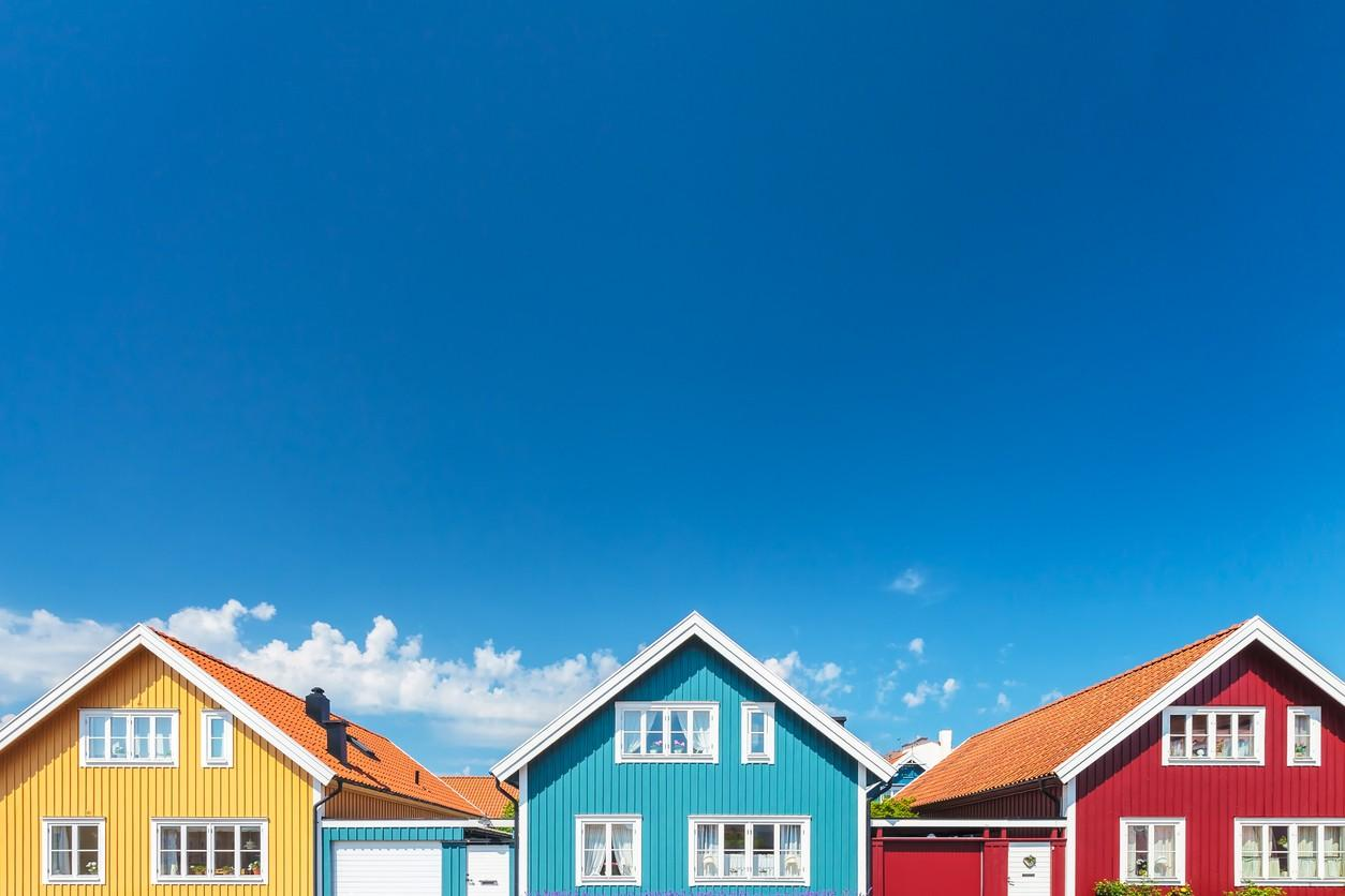 How to Choose Exterior Paint Colours That You Won't End Up Hating