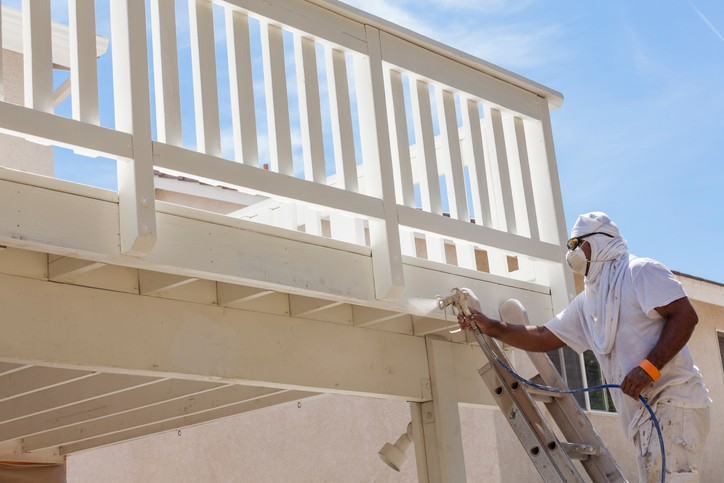 What's the Best Season to Hire an Exterior Repaint Specialist in Edmonton?